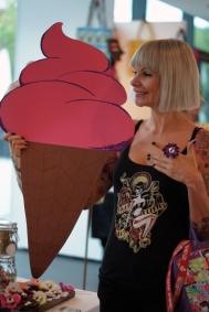 sandy likes ice cream :)